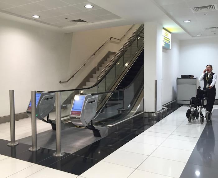 Etihad-Pre-Clearance-Lounge-Abu-Dhabi - 1
