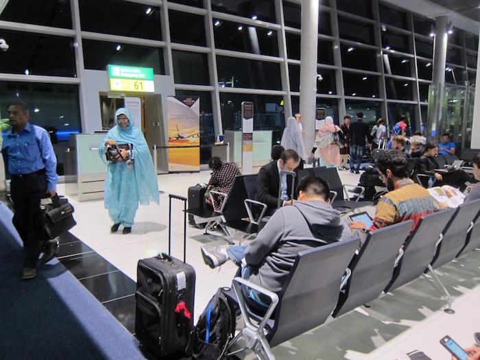 Etihad-Pre-Clearance-Lounge-Abu-Dhabi - 25