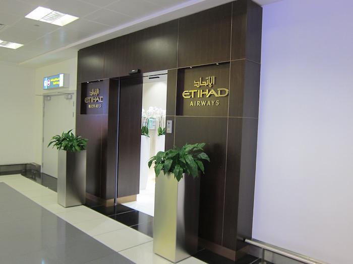 Etihad-Pre-Clearance-Lounge-Abu-Dhabi - 6