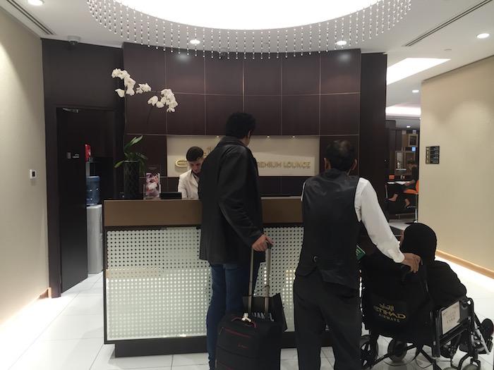 Etihad-Pre-Clearance-Lounge-Abu-Dhabi - 7