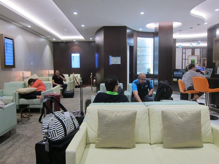 Etihad-Pre-Clearance-Lounge-Abu-Dhabi - 8