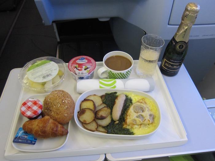 Finnair-Business-Class-A340 - 35
