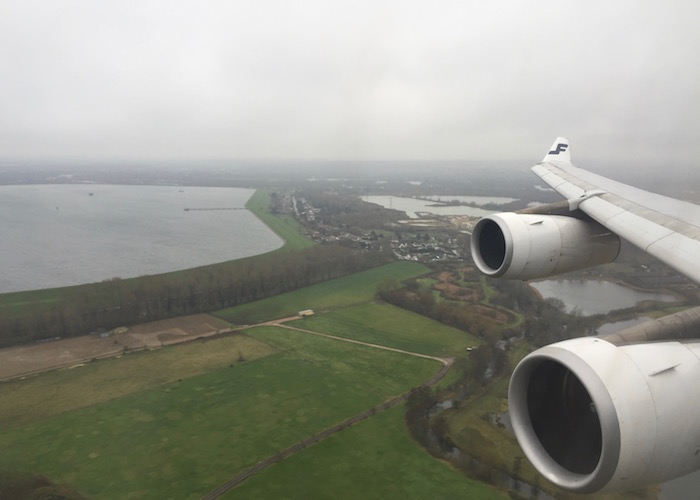 Finnair-Business-Class-A340 - 44