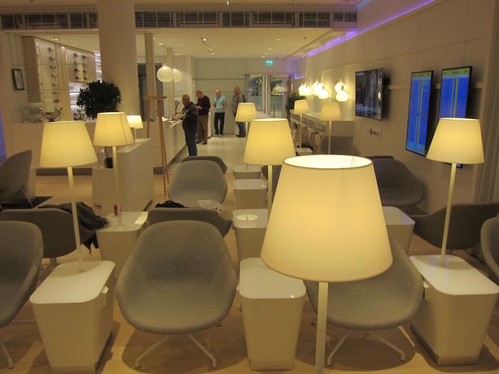 Finnair-Lounge-Helsinki-Airport - 11