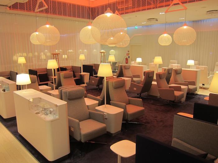 Finnair-Lounge-Helsinki-Airport - 13