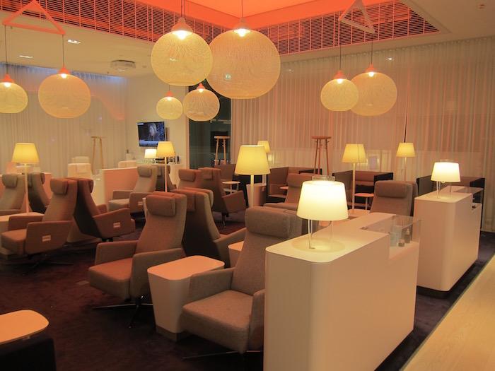 Finnair-Lounge-Helsinki-Airport - 14