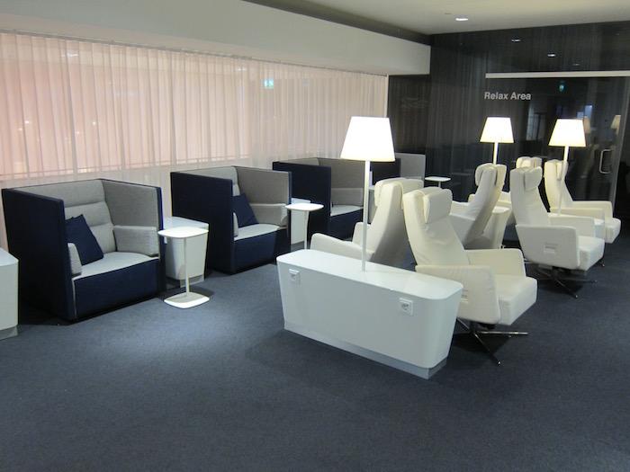 Finnair-Lounge-Helsinki-Airport - 22
