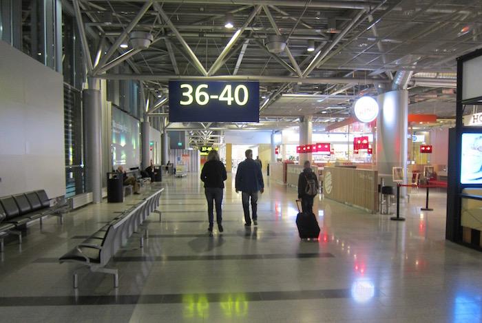 Finnair-Lounge-Helsinki-Airport - 4