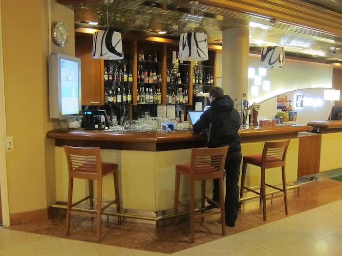 Holiday-Inn-Helsinki-Airport - 6