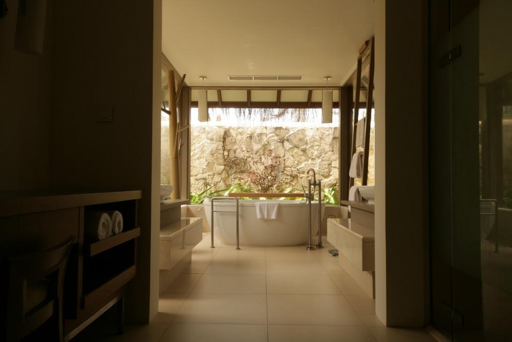 Sheraton-Maldives-tub