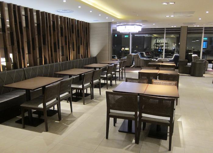 Plaza-Premium-Lounge-London-Heathrow - 10