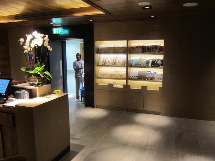 Plaza-Premium-Lounge-London-Heathrow - 6