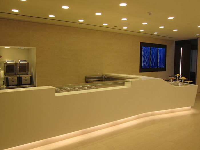 Qatar-Airways-Lounge-Doha - 44
