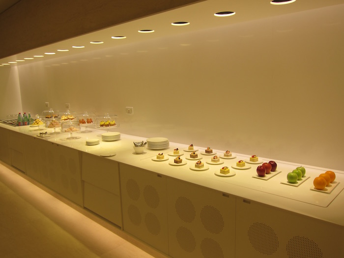 Qatar-Airways-Lounge-Doha - 45