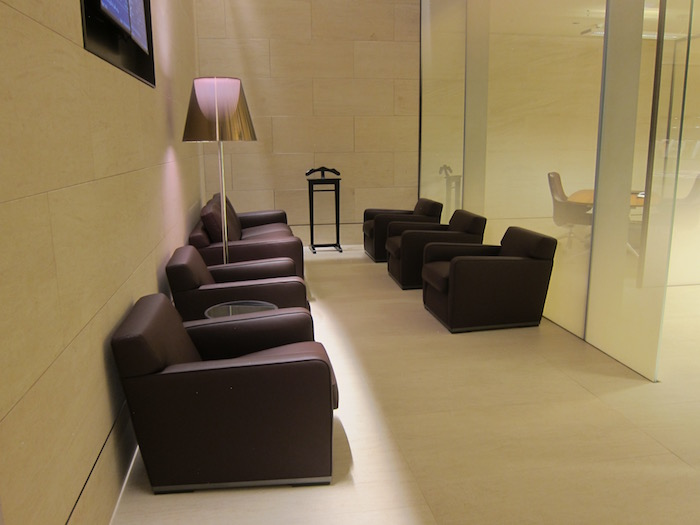 Qatar-Airways-Lounge-Doha - 49