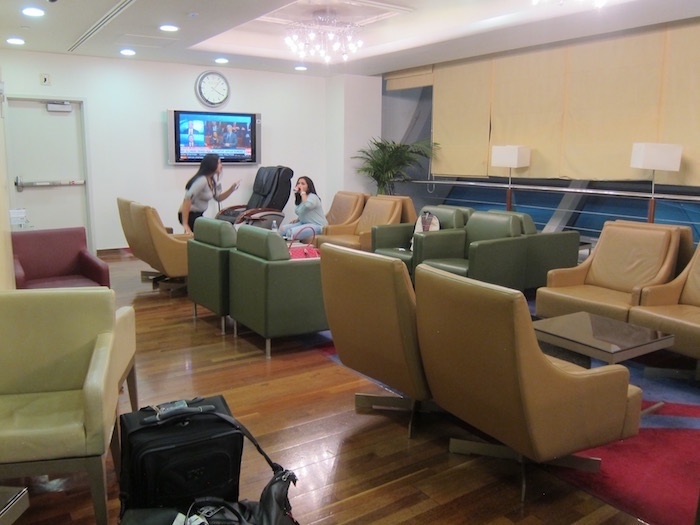 Dubai-Airport-Lounge - 12