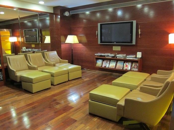 Dubai Airport Lounge 38
