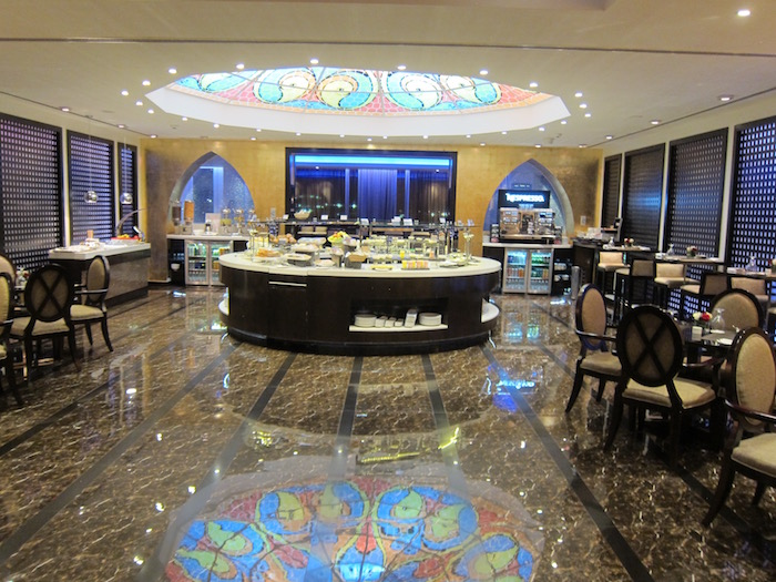 Review oman air lounge muscat airport one mile at a time for Best airport lounge program