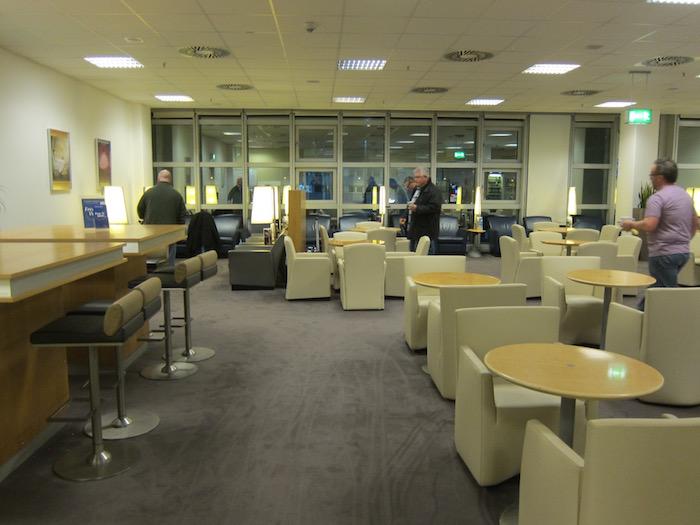 Air-France-Lounge-Frankfurt-Airport - 11