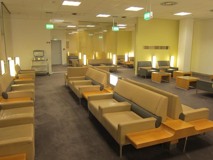 Air-France-Lounge-Frankfurt-Airport - 16