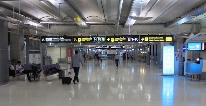 Oman-Air-Lounge-Bangkok - 10