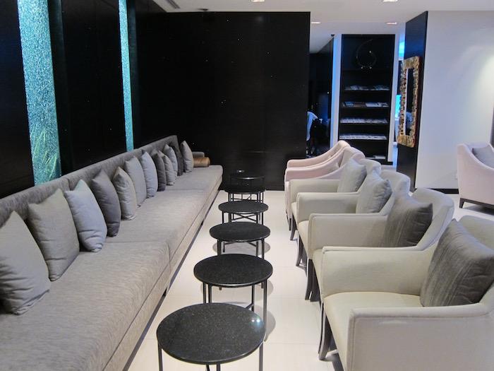 Oman-Air-Lounge-Bangkok - 13