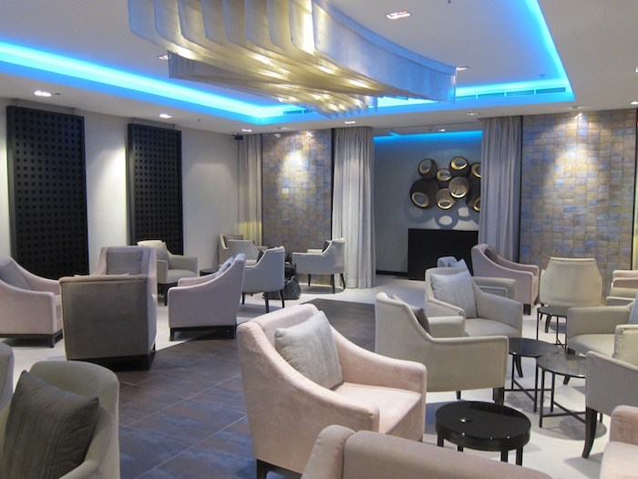 Oman-Air-Lounge-Bangkok - 14