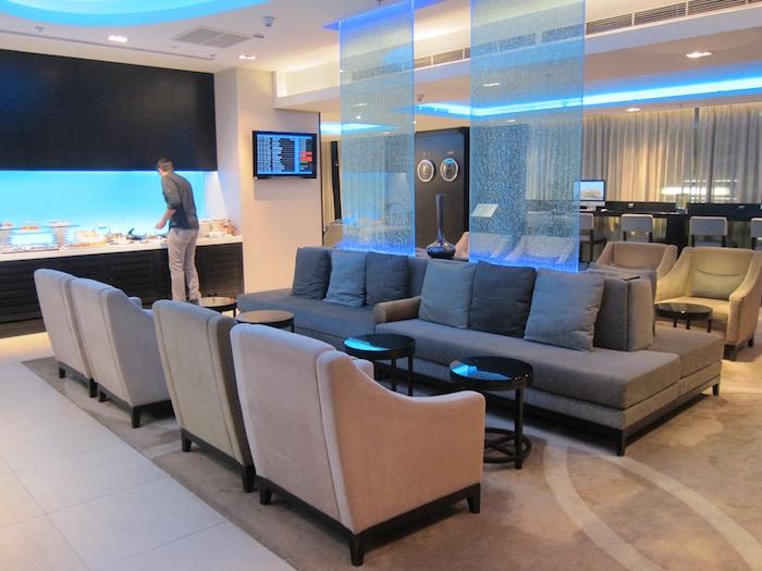 Oman-Air-Lounge-Bangkok - 16