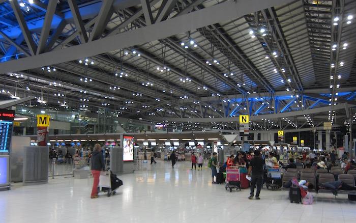 Oman-Air-Lounge-Bangkok - 2