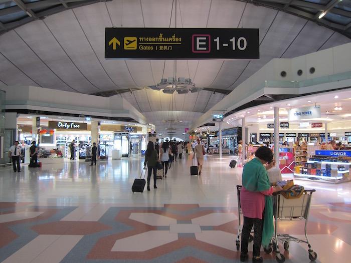 Oman-Air-Lounge-Bangkok - 34