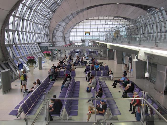 Oman-Air-Lounge-Bangkok - 39