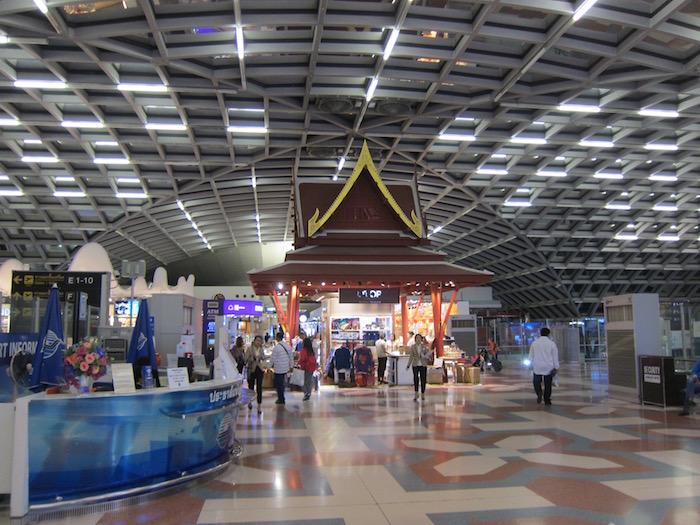 Oman-Air-Lounge-Bangkok - 9