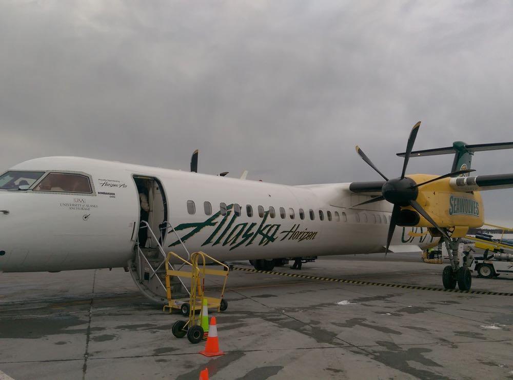 Alaska-AS-Q400-plane