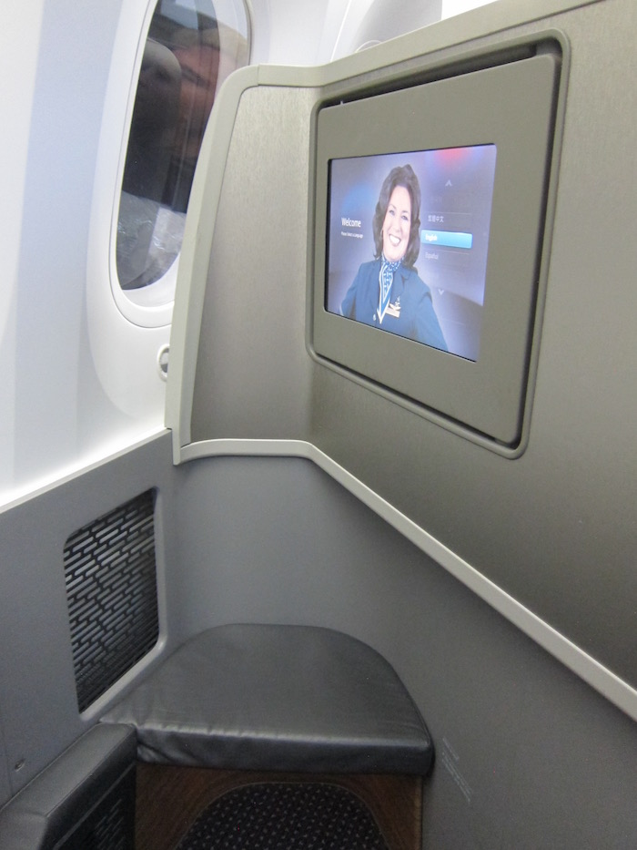 American-787-Business-Class - 11