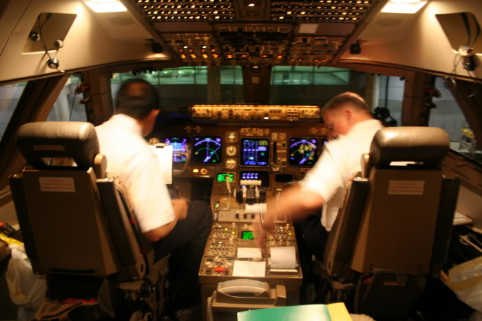 Can You Still Visit Cockpits On Airlines One Mile At A Time