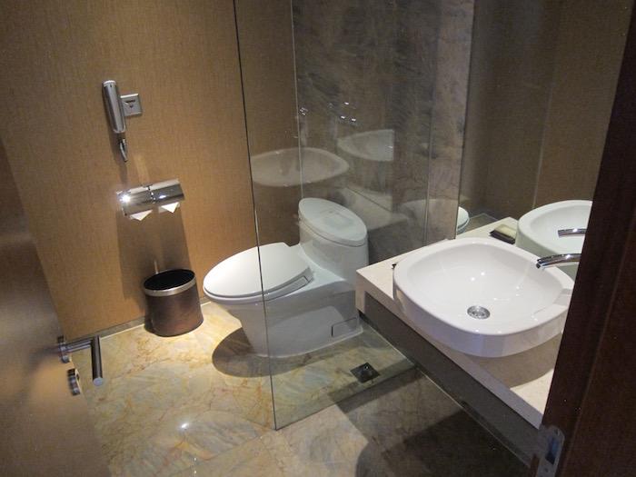 The Sheraton En Suite Bathroom: Review: Sheraton Grand Beijing Dongcheng Hotel