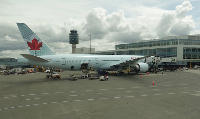 Air-Canada-787-Business-Class - 17