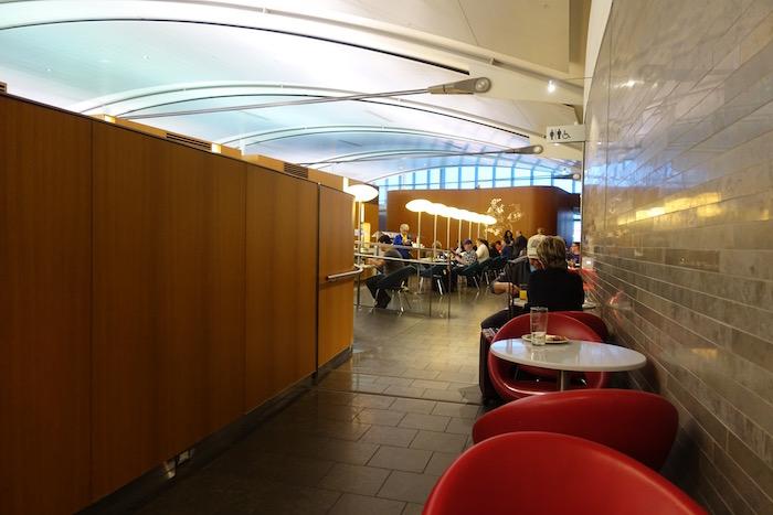Air-Canada-Lounge-Toronto - 11