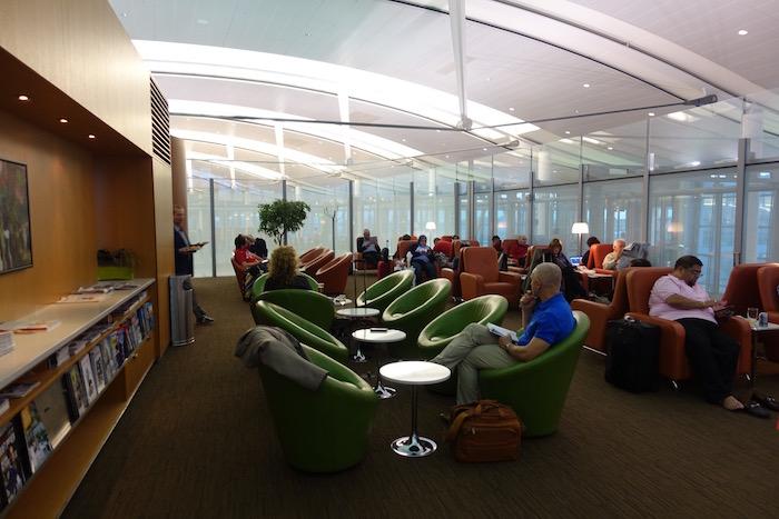 Air-Canada-Lounge-Toronto - 6