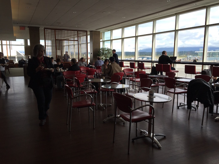 Air-Canada-Lounge-Vancouver - 11