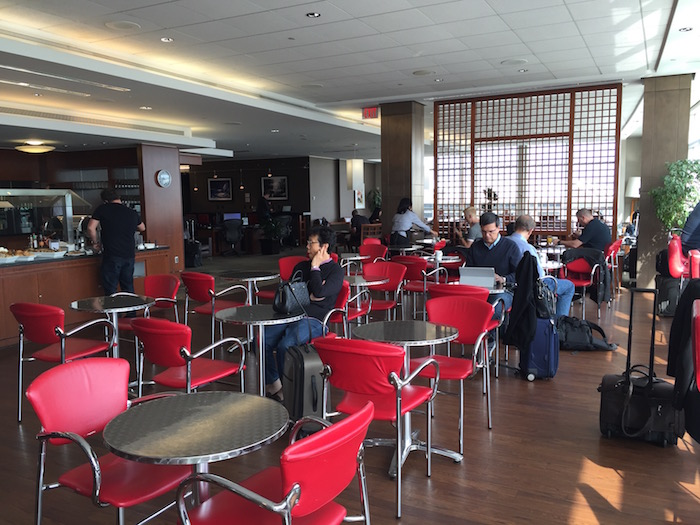 Air-Canada-Lounge-Vancouver - 12