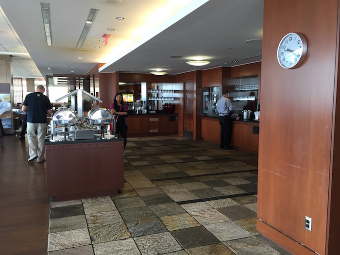 Air-Canada-Lounge-Vancouver - 18