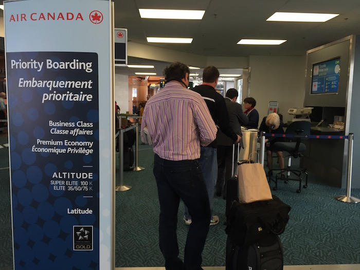 Air-Canada-Lounge-Vancouver - 46
