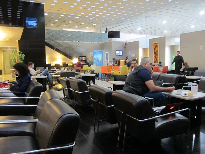 Review Amex Centurion Lounge Mexico City Airport One