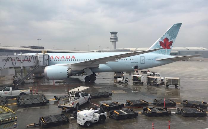 Air-Canada-777-Business-Class - 70