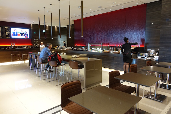 Air-Canada-Lounge-London-Heathrow - 34