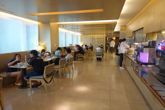 China-Airlines-Lounge-Taipei - 18