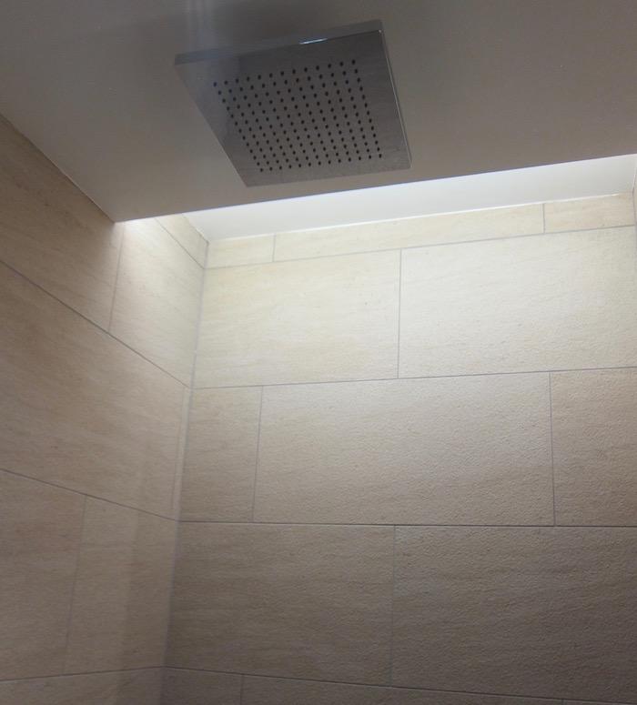Etihad-Arrivals-Lounge-Abu-Dhabi - 23