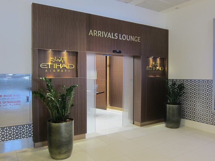 Etihad-Arrivals-Lounge-Abu-Dhabi - 6