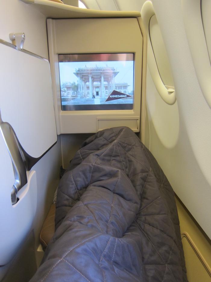 Etihad-Business-Class-A340 - 25